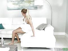 Fit bitch avalon gets a massage with happy ending