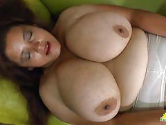 Luscious bbw rubs her warm slot