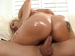 Luscious dayna vendetta gets her pussy nailed