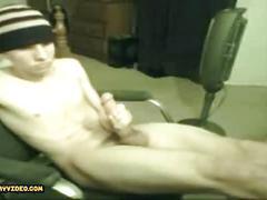 Jerkoff selfsuck on webcam