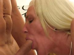 German amateur gets her pussy drilled