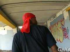 Dorag black dude dicked in public by nasty white boy
