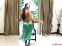 Thai ladyboy cindy hawaii outfit