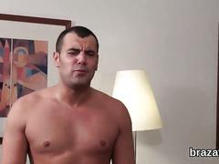 Casting hottie walks off after hardcore penetration and anal hole shagging
