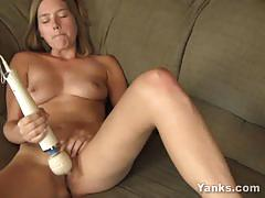 Sexy star playing with toys till she cums