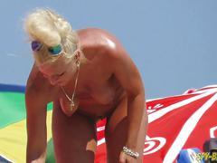 Nude beach voyeur amateur - close-up pussy milfs