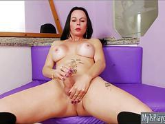 Bubble butt mature shemale masturbates her big fat cock