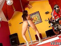 Porn star babe sucking down a big fat cock