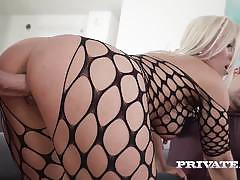 Milf nikyta enjoys hard anal