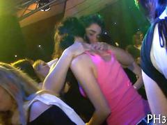 Dancing chicks start off an orgy with male strippers