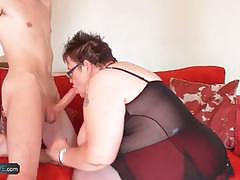 Mature bbw sucking hard cock