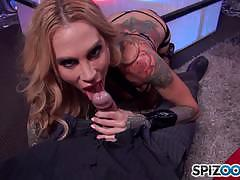 Muff stuffing sarah jessie and giving her a steamy facial