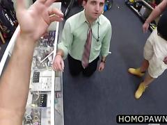 Big guy pawnshop personnel caught a guy stealing stuff and banged him inside the shop