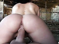 Amateur hottie fucked way to hard!