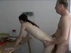 Junge pussy wird von altem schwanz gefickt (russian)