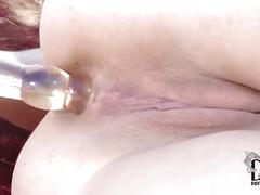 Angell summers crams her cooch & asshole with a double dong