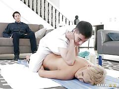 Lucky masseur gets a chance to fuck the busty ryan keely