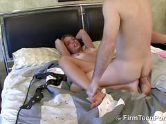 Teen sonja gets her tight pussy fucked