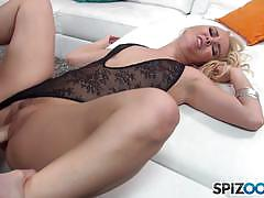 Milf aaliyah love hammered balls deep in her sexy muff