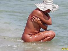 Amateur nudist voyeur milfs