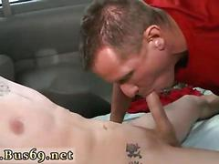 Horny gay dude sucks a nice cock in the car