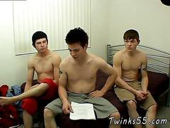 Three twinks decide to masturbate together in their college dorm