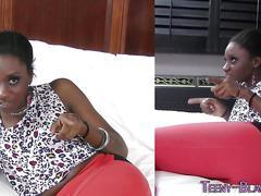 Ebony teen pussy licked