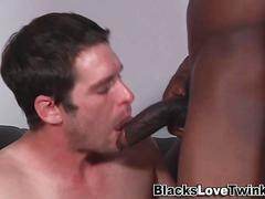 Black dude fucks whitey