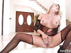 Scorching samantha saint plays with her warm pussy