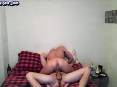 Muscle guy fuck his friend