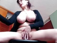 Mature sexy girl on webcam masterbating - pussycams247.com
