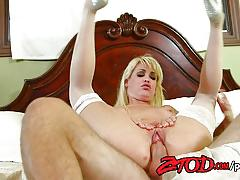 Sensual mikki lynn gets her ass drilled
