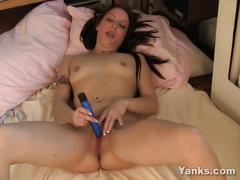 Hot ameara toy her twat for orgasm
