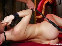 Sex slave ariel skye has her minge hole vibrated