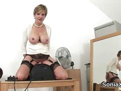 Cheating uk milf lady sonia reveals her enormous titties