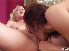 Blonde hoe sucking and gettng sixty nine pussy sucked