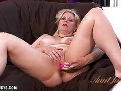 Babe zoey tyler masturbating