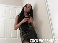 I am going to watch you suck dick at a gloryhole joi