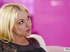 Tranny boss venus lux fucked her blonde secretary sarah vandella