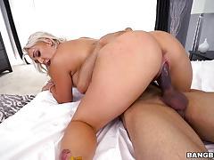Nina kayy slammed in her pink pussy