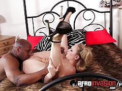 Beauty kagney linn karter takes on this huge dick