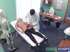 Doctor fucks sexy patient