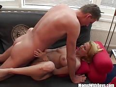 Mature blonde gets her pussy hammere