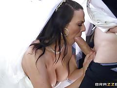 Simony diamond sucking off the best man
