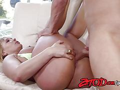 Fucking hot pussy of beautiful milf