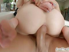 Asstraffic jessyka swan is pinned down and deeply fucked