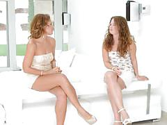 Sylvia lauren and bunny babe chat before they lick some pussy