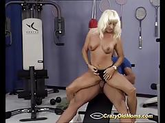 Mature blonde loves to fuck