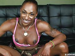 Black shemale chick cums and pisses in solo