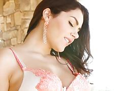 Valentina nappi loses her lingerie to have some pussy fun